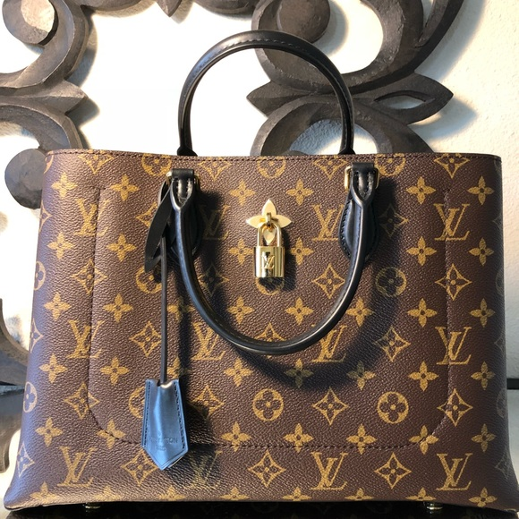 ce53447388e5 Louis Vuitton Flower Tote